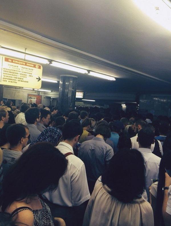 地铁 莫斯科/俄罗斯莫斯科当局称,15日的莫斯科地铁事故已经造成10人死亡,...