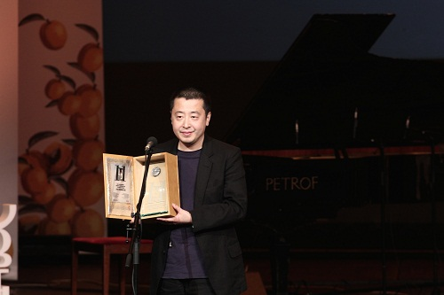 贾樟柯亮相戛纳电影节评.美女电影下载免费下载图片
