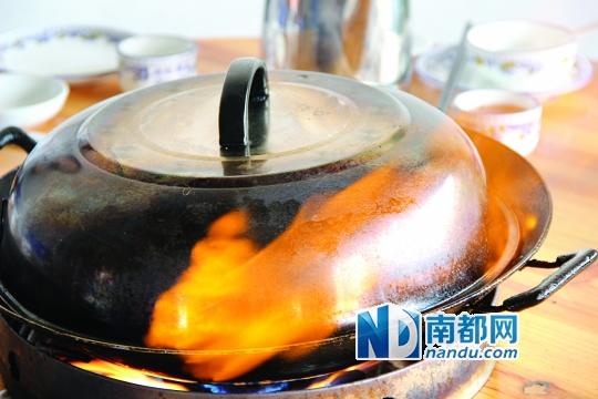 新鲜出炉的火焰鹅。