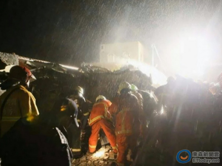 澎湖当地居民描述复兴客机失事:有遗体掉进我家