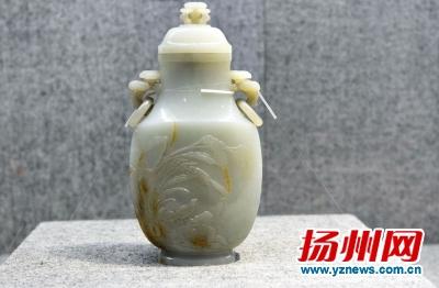 70件套故宫秘藏珍品将亮相 元明清三梅瓶争奇斗艳(组图)