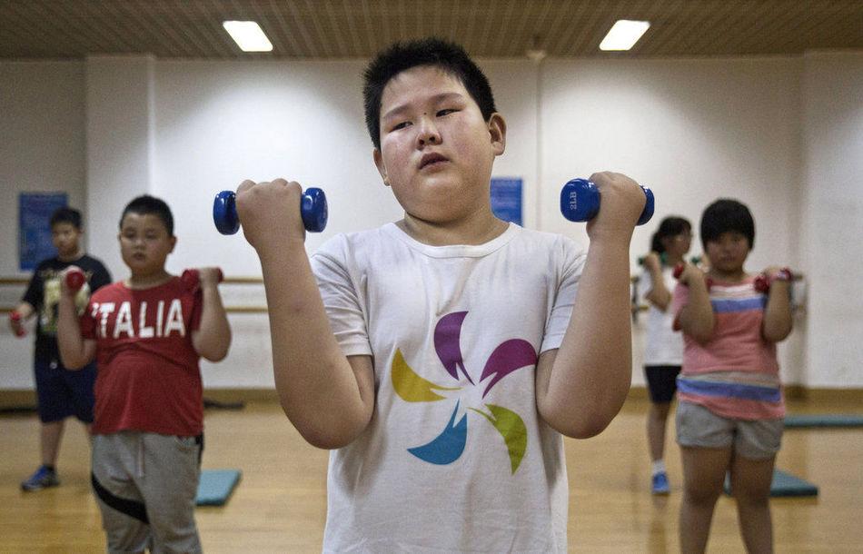 胖墩越来越多!中国肥胖儿童暑期减肥生活实录
