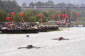 图文:国际名校赛艇挑战赛 女子组进行预赛
