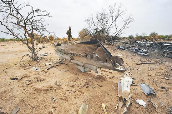 可能 客机坠毁 天气 原因/阿尔及利亚总理塞拉勒26日说,阿尔及利亚航空公司AH5017航班...