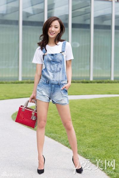阔口短裤 + 尖头高跟鞋>>>>>>look2