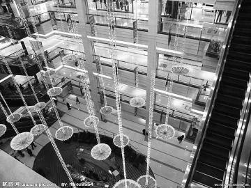 党建筑起中国皮革城发展速度地标