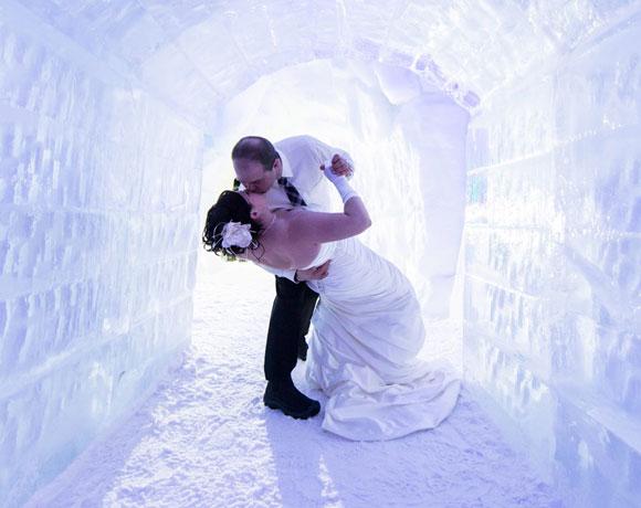 魁北克冰雪水晶宫里的婚礼 做个白色冰雪梦
