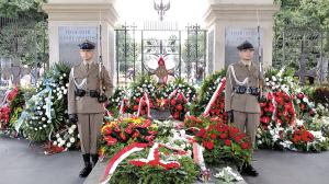 波兰纪念华沙起义70周年