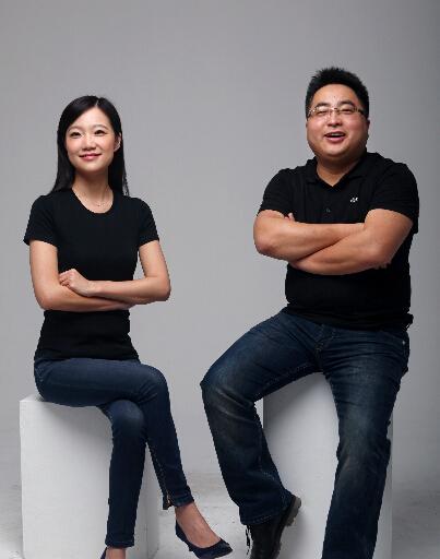凹凸租车两位联合创始人(左为CEO陈韦予,右为董事长张文剑)