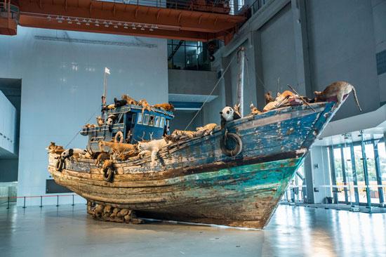 《蔡国强:九级浪》个展同名装置作品——《九级浪》