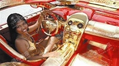 看到这辆车,只能说富豪的世界我们不懂。
