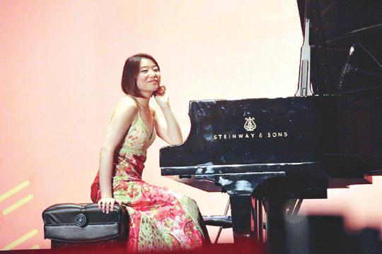 青年钢琴家贾然(资料图)