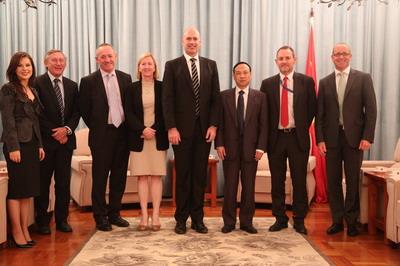 双方还就深化农业、金融、水利、教育、旅游等领域的合作达成广泛共识。