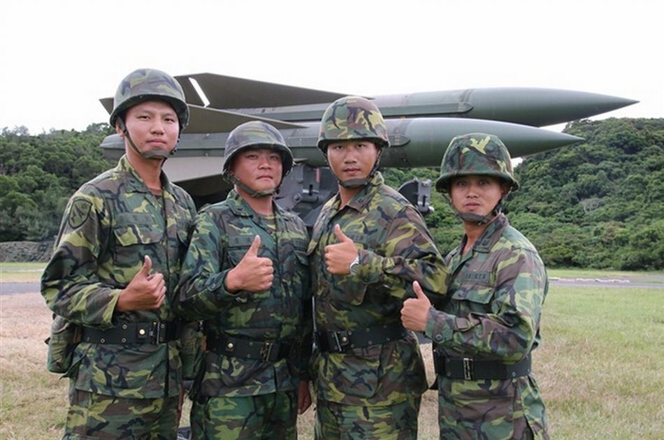 军_台军演习射七种导弹后自称全中(1/9)(组图)