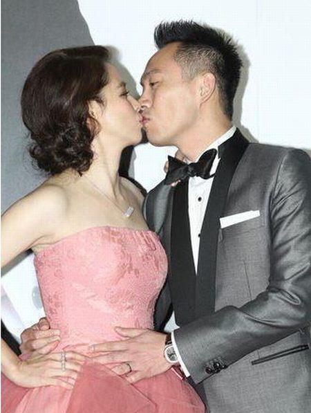 徐若�u(微博)上月在台湾办回门宴