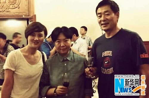 朱媛媛、田沁鑫、濮存昕(从左至右)在后台(摄影:纳兰)