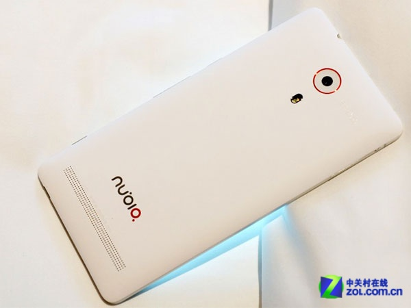 全网4G旗舰上市 努比亚Z7首发仅售3299