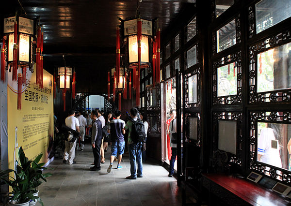 展览现场古色古香,将影像还原到古建筑中,您一定要亲身来感受下中国古典建筑的魅力。