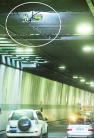 成都红星路隧道内的电子眼。