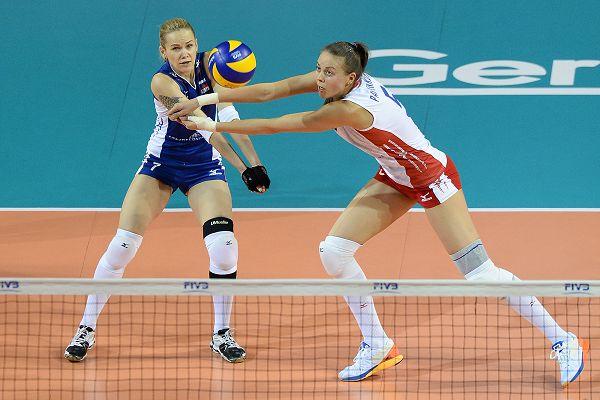 图文:俄罗斯女排3-0比利时 帕辛科娃抢一传