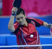 图文:22日青奥会赛场瞬间 乒乓球香港的杜凱琹