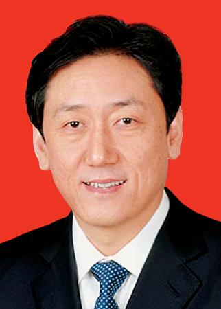 陈川平,男,汉族,1962年2月生,山西省平陆县人,在职研究生学历,理学硕士学位,高级工程师。1985年3月加入中国共产党,1982年8月参加工作。