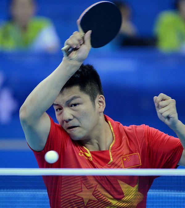 图文:乒球混合团体中国进决赛 樊振东