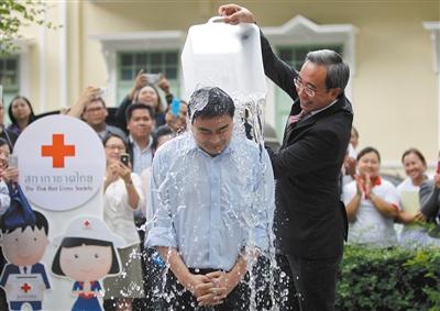 泰国前总理阿披实。