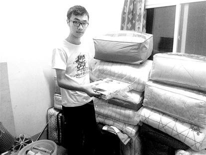 图文:大学生囤货抢夺新生入学商机