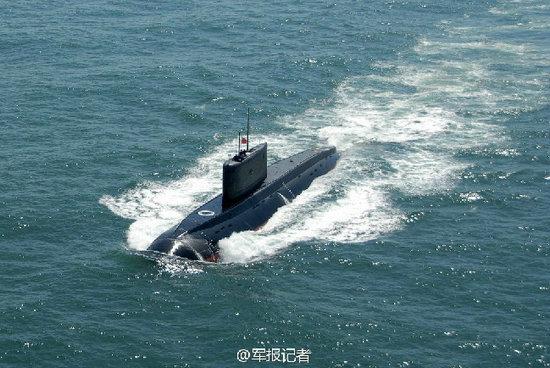 资料图:中国海军潜艇东海实战演练。