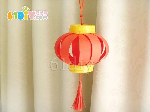 用一次性杯子和彩色纸制作的迷你小灯笼