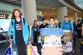 图文:中国女排结束比赛回国 女排队员归来