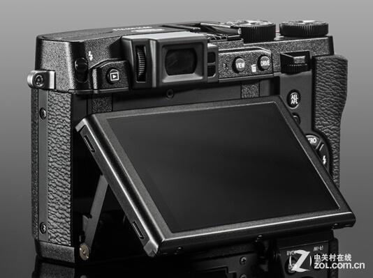 配备革命性实时取景器 富士X30体验非凡