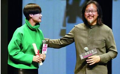 赖声川话剧征选大使 李宇春现场求角色