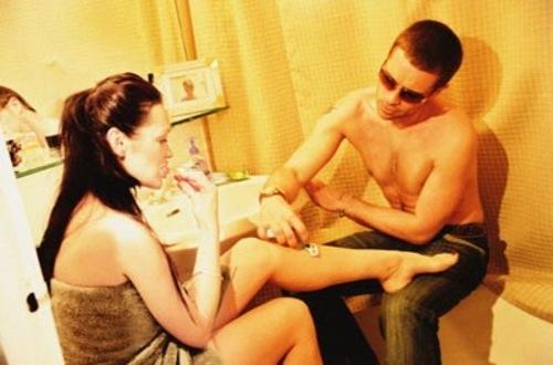 曾吸毒当小三 中国男人敢娶安吉丽娜朱莉吗