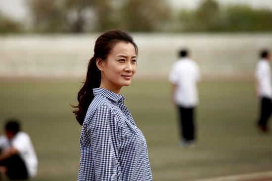 《匆匆那年》热播 徐翠翠再演老师演技获赞