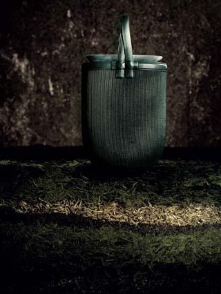 """「上下」""""揽月""""系列皮雕包袋  上市时间:9月15日"""