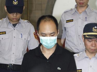 强奸淫荡骚妈妈_李宗瑞被重判狡辩是捡尸 律师:迟来正义