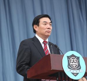 刘长铭校长在北京四中开学典礼上讲话。
