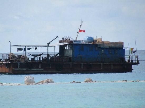 越南加紧在中国岛礁填海造陆 已经形成小岛(6