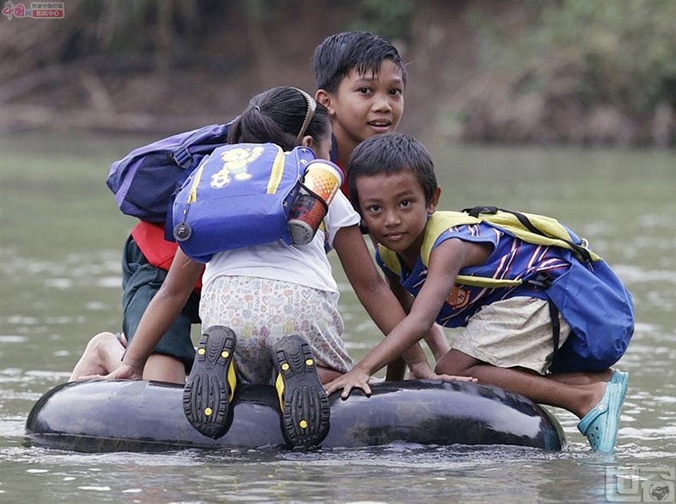 每年9月起,全球各国的学生陆陆续续地背起书包、高高兴兴地奔向学堂,开始走上他们的求学之路。