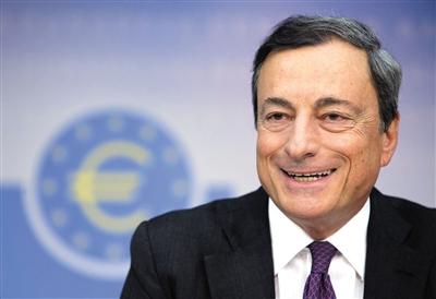 9月4日,德国法兰克福,欧洲央行行长德拉基出席新闻发布会,宣布降息及一揽子资产购买计划。图/CFP