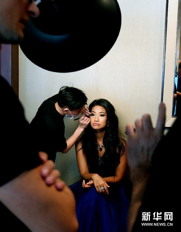 9月4日,来自云南的张楚婷在进行肖像拍摄。