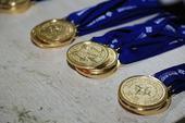 图文:2014宿迁生态四项赛 比赛完赛的奖牌