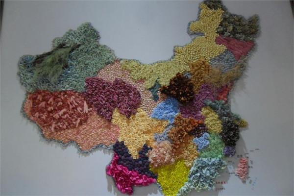 花卉组成的中国地图图片