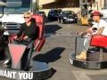 《艾伦秀第12季片花》S12E01 艾伦与明星评委户外比拼转椅跑车