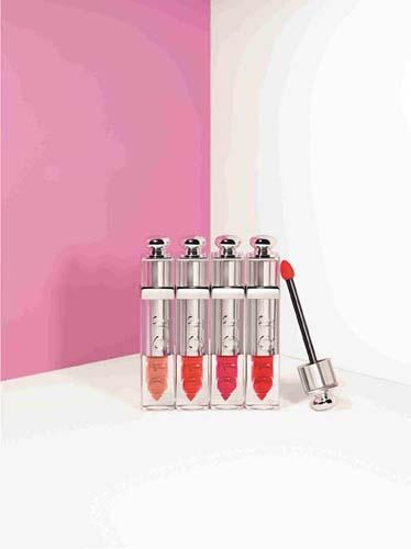 Dior迪奥魅惑液态唇膏拥有四款妆效绝佳的必备色款,精致优雅而时尚前卫