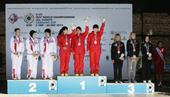 图文:射击世锦赛激战 中国女队队员开心庆祝