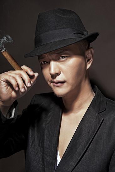 王伟源在《大连故事》中饰演齐孝廉