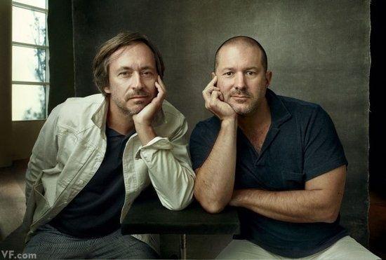 苹果首席设计师乔纳森·艾维与工业设计师马克·纽森图片